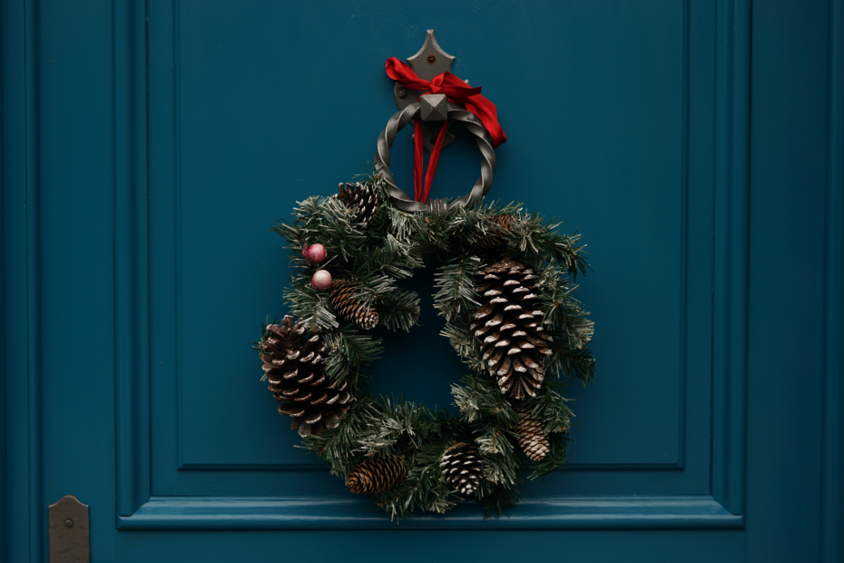 TOP TIPS FOR GETTING YOUR HOME CHRISTMAS READY
